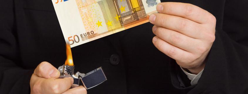 Geld anlegen oder vernichten?